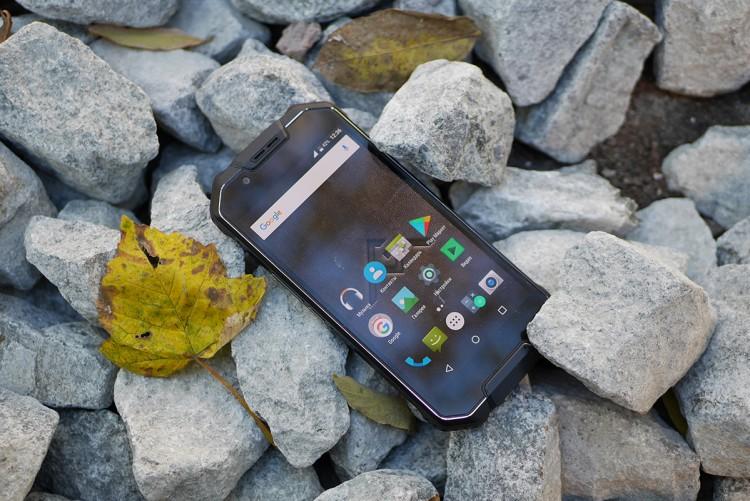 Почему стоит заменить обычный смартфон на защищенный